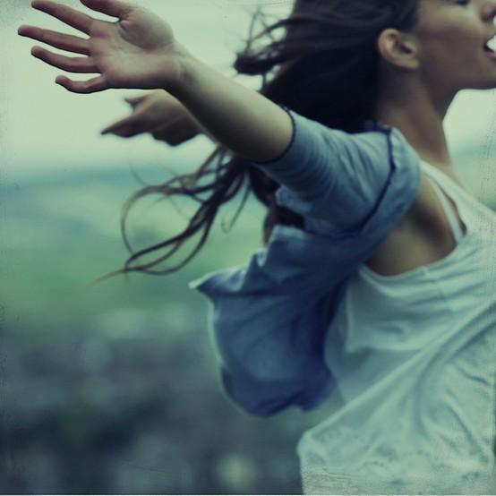 girl-vulnerable-rosiehardy-flickr